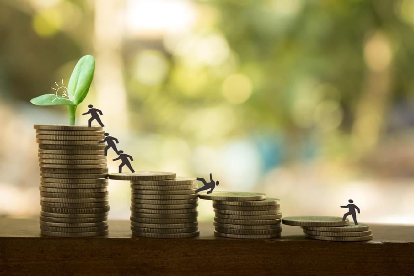 労務の業務内容による年収の違い